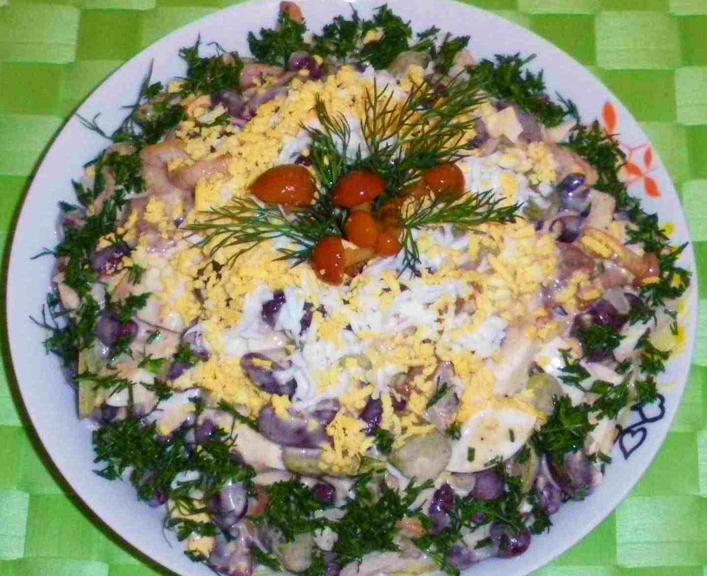 Салат с грибами и с огурцами солеными огурцами рецепт