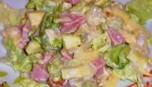 Салат из копченой курицы с болгарским перцем и яблоками