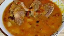 Гороховый суп с говяжьими ребрышками