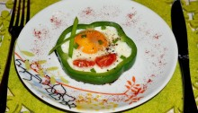 Яичница с помидорами и болгарским перцем