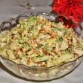 Салат из курицы с омлетом и пекинской капустой