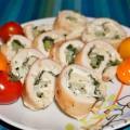 Куриные рулетики со шпинатом, сельдереем и творожным сыром