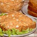 Испанский салат с тунцом, картофелем и яйцами