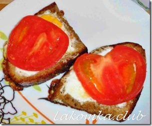 яйца в хлебе на сковороде — копия (1)