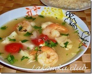 Суп Том Ям с креветками и рыбой