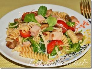 Макаронный салат с ветчиной и грибами (2)