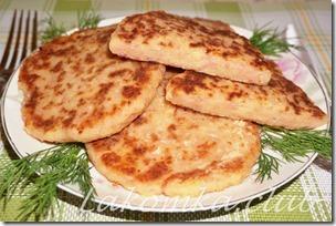 сырные оладьи на кефире с колбасой