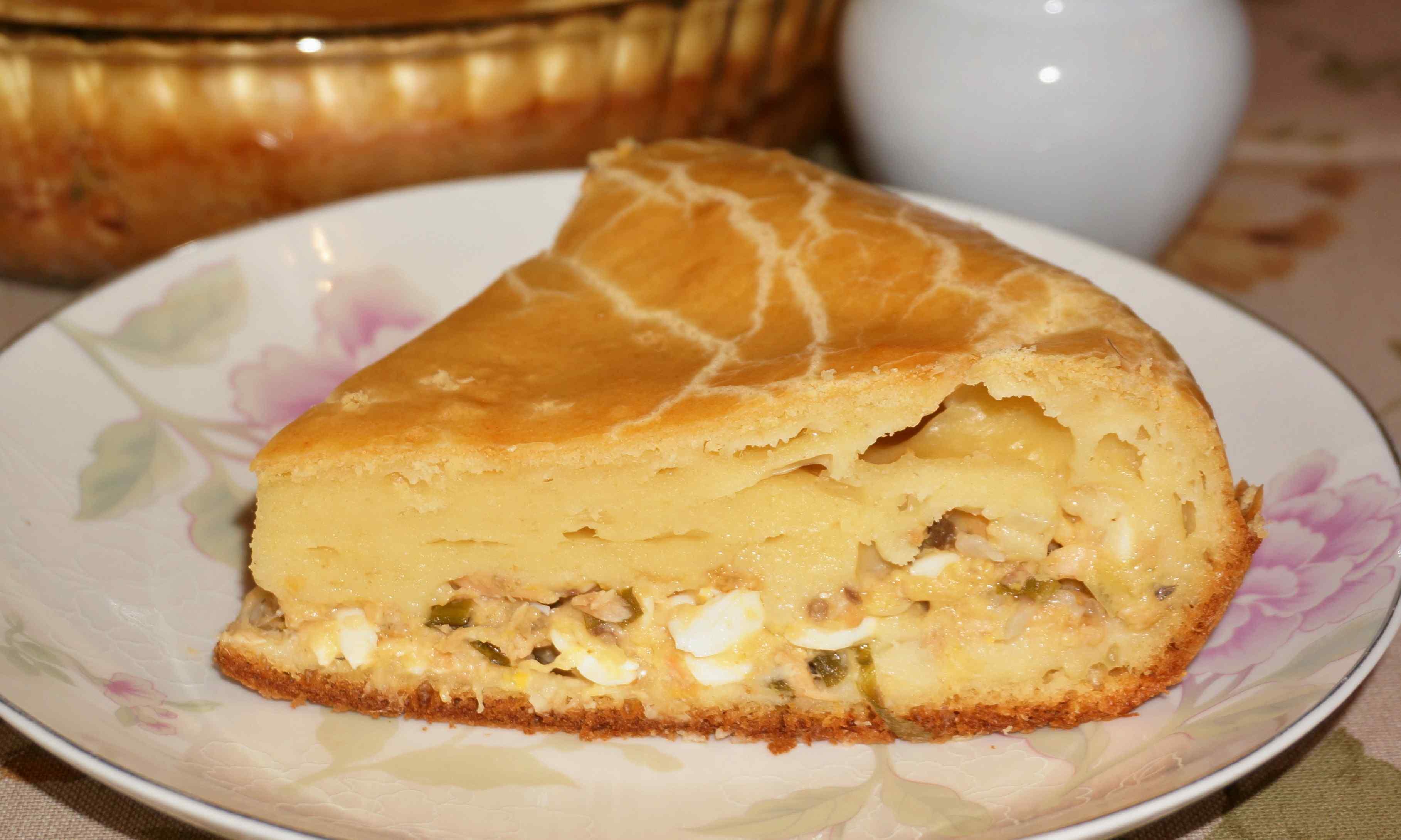 Пирог с консервой и картошкой пошагово