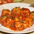 тунец в томатном соусе