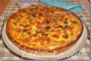 киш с грибами, помидорами и сыром