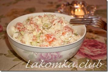салат из красной рыбы с рисом и огурцами (2)