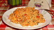 Кус-кус с креветками и овощами