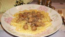 Паста в сливочно-грибном соусе