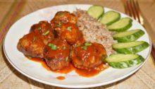 Мясные тефтели в томатном соусе на сковороде