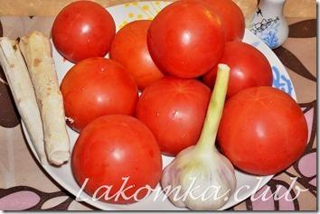 хреновина из помидоров с хреном и чесноком
