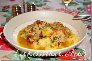 тушеный картофель с курицей и овощами 2