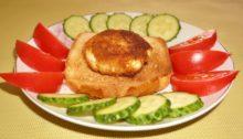 Яйцо Пашот в панировке на гренке