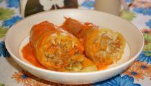 Перец фаршированный мясом с рисом и овощами