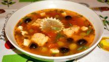 Суп из семги с помидорами и болгарским перцем По-гречески