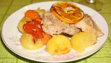 Свинина с овощами и апельсинами в рукаве для запекания