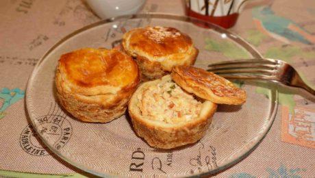 Кексы с копченой рыбой и сливочным сыром