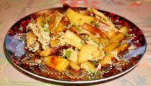 Картофель дольками, запеченный в духовке с сыром и паприкой
