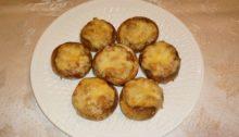 Шляпки шампиньонов запеченные с сыром и фасолью в духовке
