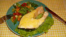 Стейк из семги запеченный в духовке