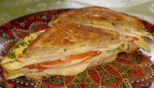 Сэндвич с яйцом и сыром