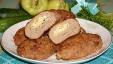 зразы мясные с яйцом и сыром