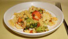 Макароны с брокколи и цветной капустой