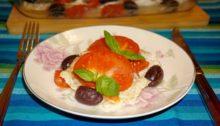 Треска запеченная в духовке с помидорами