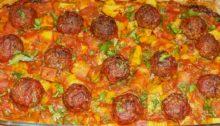 Фрикадельки запеченные с картофелем в духовке