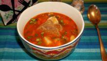 Суп с говяжьими ребрышками с копченостями